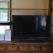 The television of 32 inches and the DVD