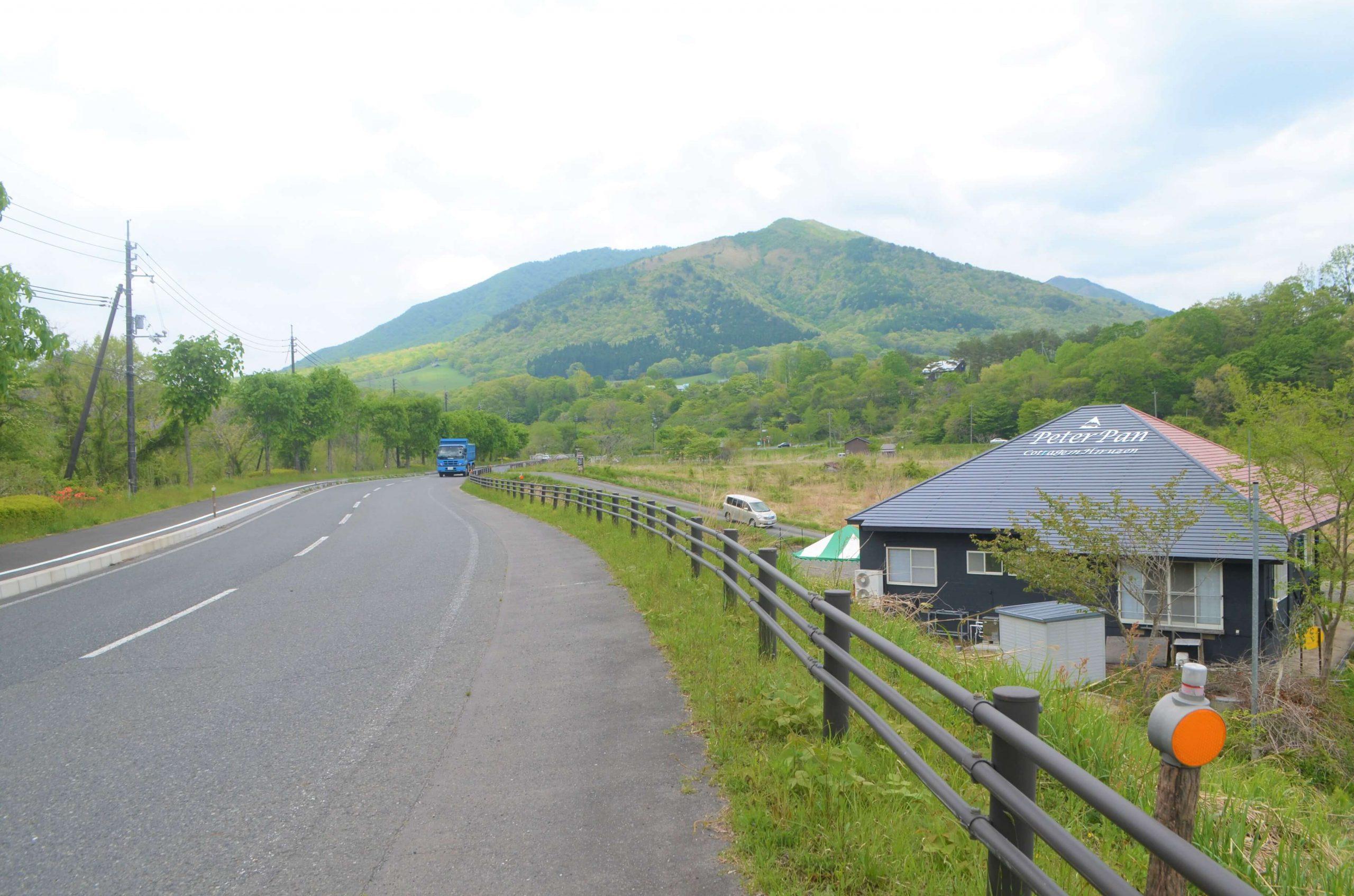 高原道路から見たネバー